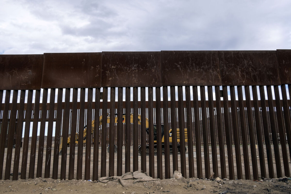 Border Patrol Agents Arrest 11 Iranians in Arizona Who Illegally Entered US